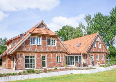 Einfamilienhaus in Holzrahmenbauweise mit Fachwerkfassade